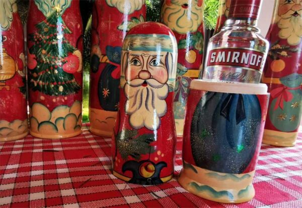 .Cache bouteille vodka Père Noël russe 50cl
