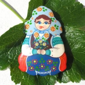 Bm11 – Broche russe folklorique 'Matriochka'
