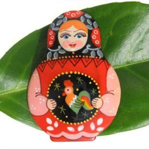 Bm15a – Broche russe folklorique 'Matriochka'