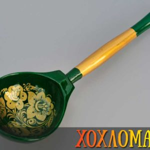 Cuillère russe en bois verte – 19,5 cm