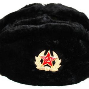 Chapka Ushanka polyester noire avec insigne (taille 60)
