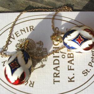 Fb8 – Pendentif Oeuf Fabergé 'Marine impériale russe' + chaîne
