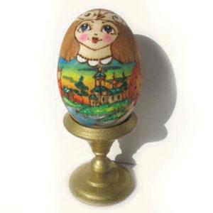 Oeuf en bois décoré 'Poupée russe' 7,5 cm (FD-OE505)