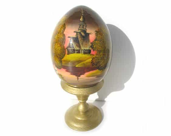 Oeuf en bois peint 'Eglise russe' 8 cm (FC-OE302)