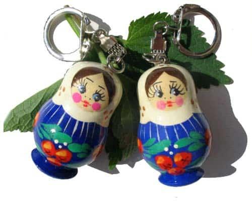 pc15 – Grande Matriochka porte-clé aux pommes