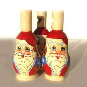 sfPN2 – Sifflet en bois 'Père Noël Russe' rouge