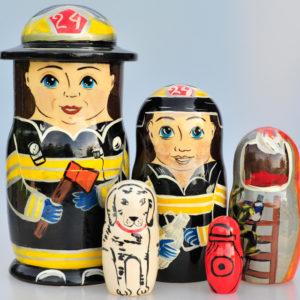 Matriochka Pompiers 5 pièces 19 cm (XG4-06)