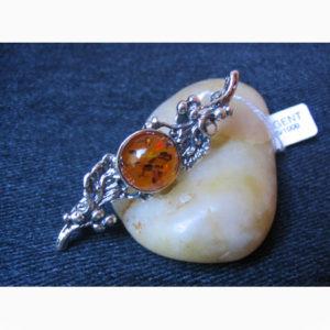 ambr81 – Broche filigrane ambre ardent de Lettonie 'Skazka russe