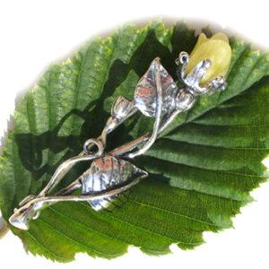 ambr84a – Broche en ambre opal Estonie 'La Rose'