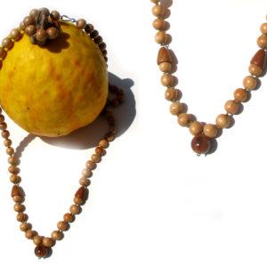 Collier traditionnel en bois 'amulette' (AA2-bcba11)