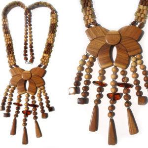 Collier en bois + pierre d'ambre 'amulette' – Oural (AA2-bcba17)