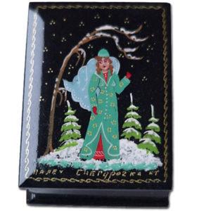 0119 – Boîte laquée 'conte russe' – La petite fille des neiges