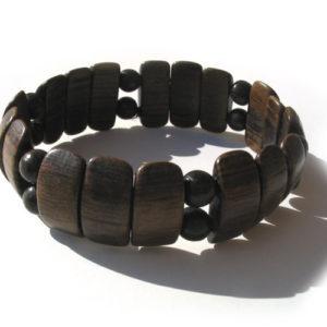 Bracelet en bois, région de l'Oural (AA7-bra118)