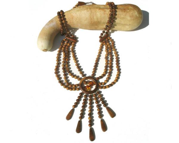 Collier en bois + pierre d'ambre 'amulette' – Oural (AA2-bcba21a