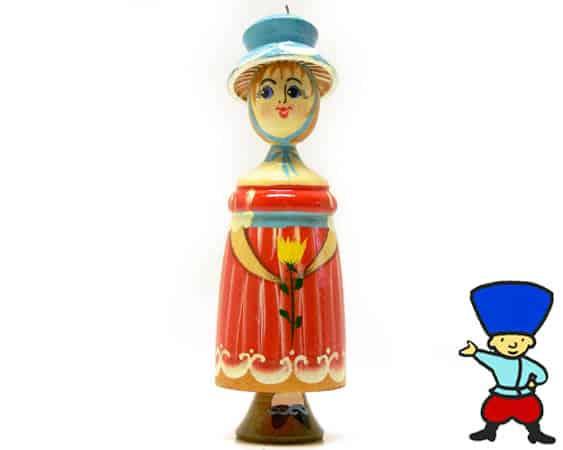 fig22 – Figurine Femme russe (Rouge)