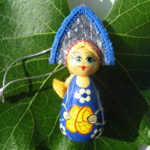 m015c – Figurine poupée russe – pour le sapin de Noël (Lapti)