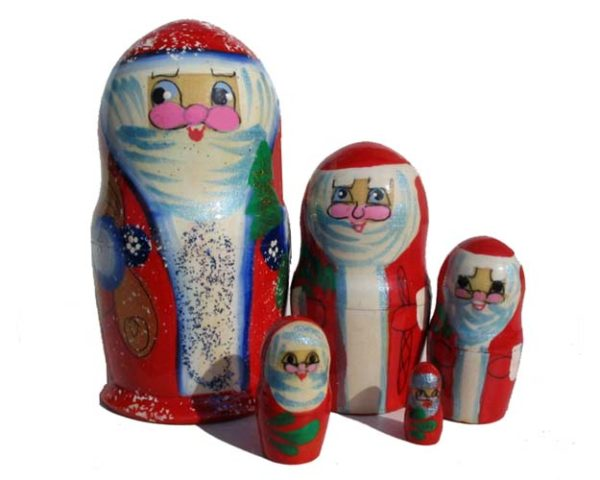 ma514 – Matriochka 'Le père Noël russe à la barbe' 5p. Rouge