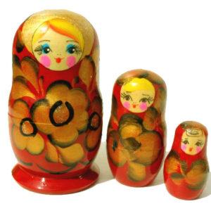 maa306 – Matriochka rouge dorée 'Tsarine' – 3 pièces 11 cm
