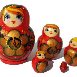 maa504 – Matriochka Rouge aux paillettes 5 pièces – 8 cm