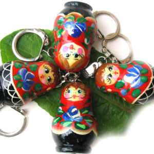 pc08 – Matriochka porte-clé rouge 'Koukolka'
