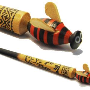Stylo russe en bois pyrogravé: abeille