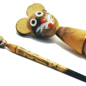 Stylo russe en bois pyrogravé: souris
